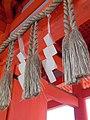 Heian Jingu, Shide hanging on Shimenawa - panoramio.jpg