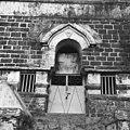 Historische begraafplaats buiten de stad, ingang grafmonument - 20652887 - RCE.jpg