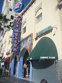 HollywoodWaxMuseum 01.jpg