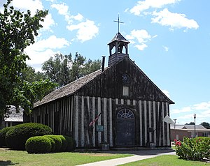 Poteaux-sur-sol - Holy Family Church in Cahokia, Illinois was built of walnut timbers in the poteaux-sur-sol style in 1799 replacing a similar structure built in 1699.