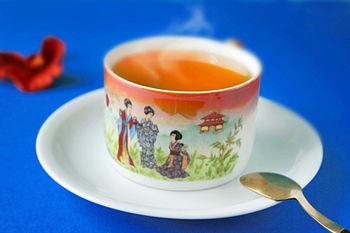 English: Hot China-tea - no sugar, no milk