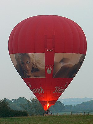 English: Hot air balloon G-KNIX, Hook, Wiltshi...