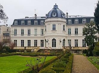 Faubourg Saint-Germain - Image: Hoteldecassini 2017