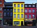 Houses Painted as Belgian Tricolor - panoramio.jpg