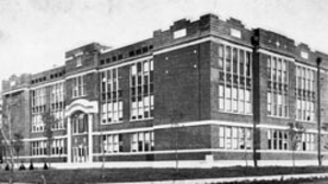 Hutchinson High School (Kansas) - The second Hutchinson High School in 1915.