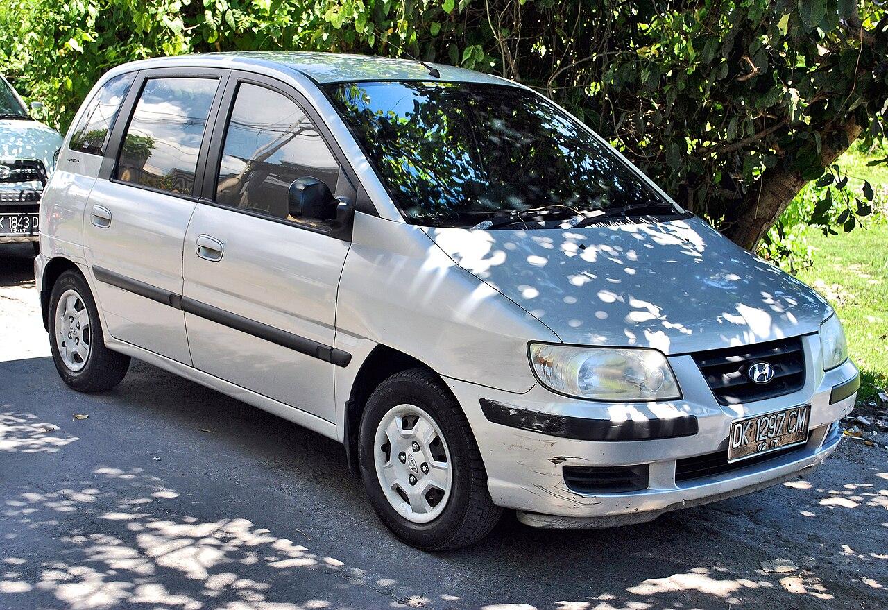 File:Hyundai Matrix (front), Denpasar.jpg - Wikimedia Commons
