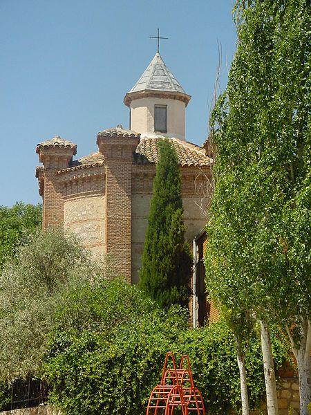 File:Iglesia en Villar del Olmo.jpg