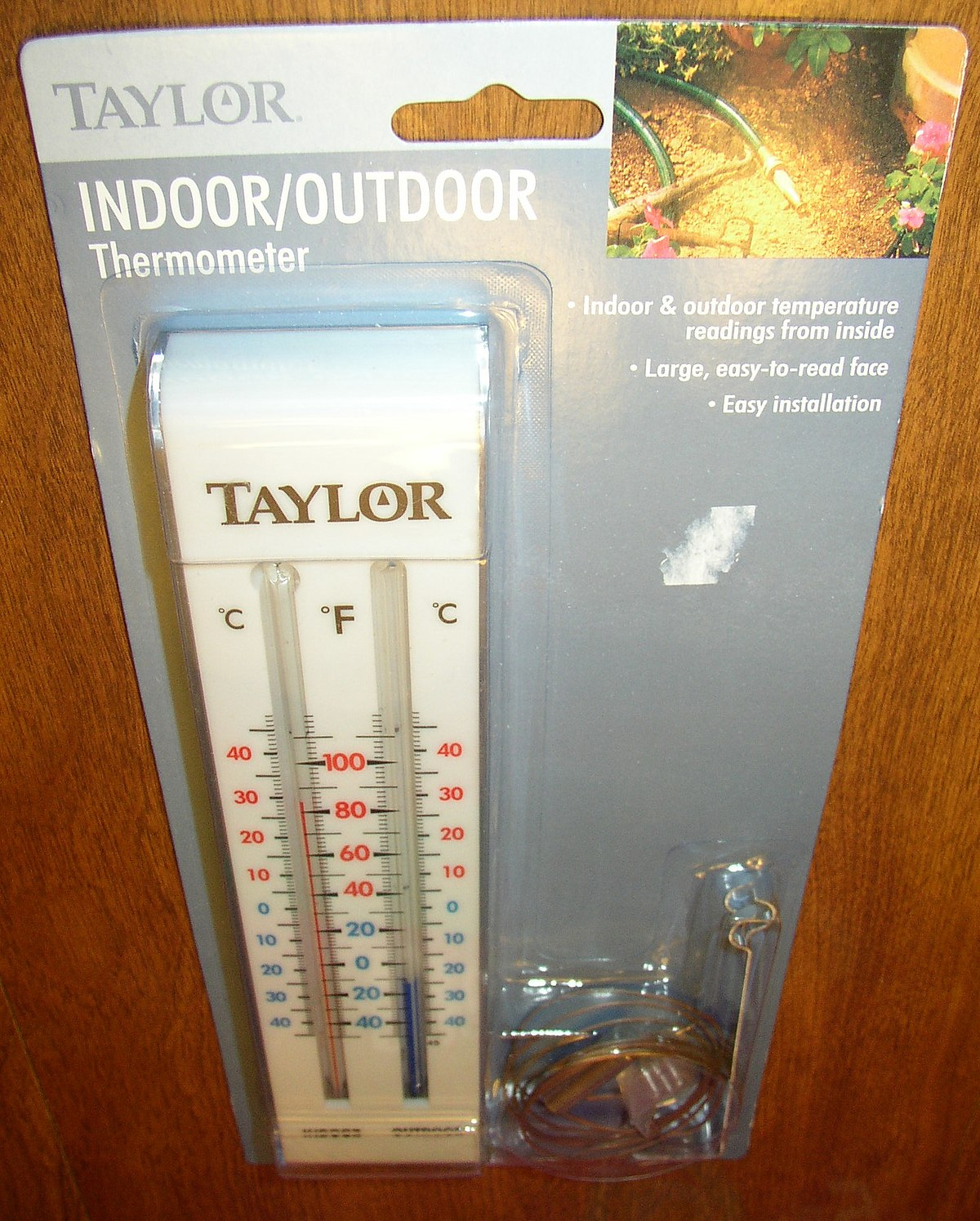 Indoor–outdoor thermometer - Wikipedia
