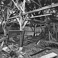 Interieur, overzicht schuur in slechte toestand, houtconstructie met gebintbalkschoren - Vessem - 20001883 - RCE.jpg