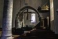 Interior da igrexa de Hangvar.jpg