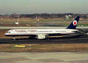 Istanbul Airlines Boeing 757 Spijkers.jpg