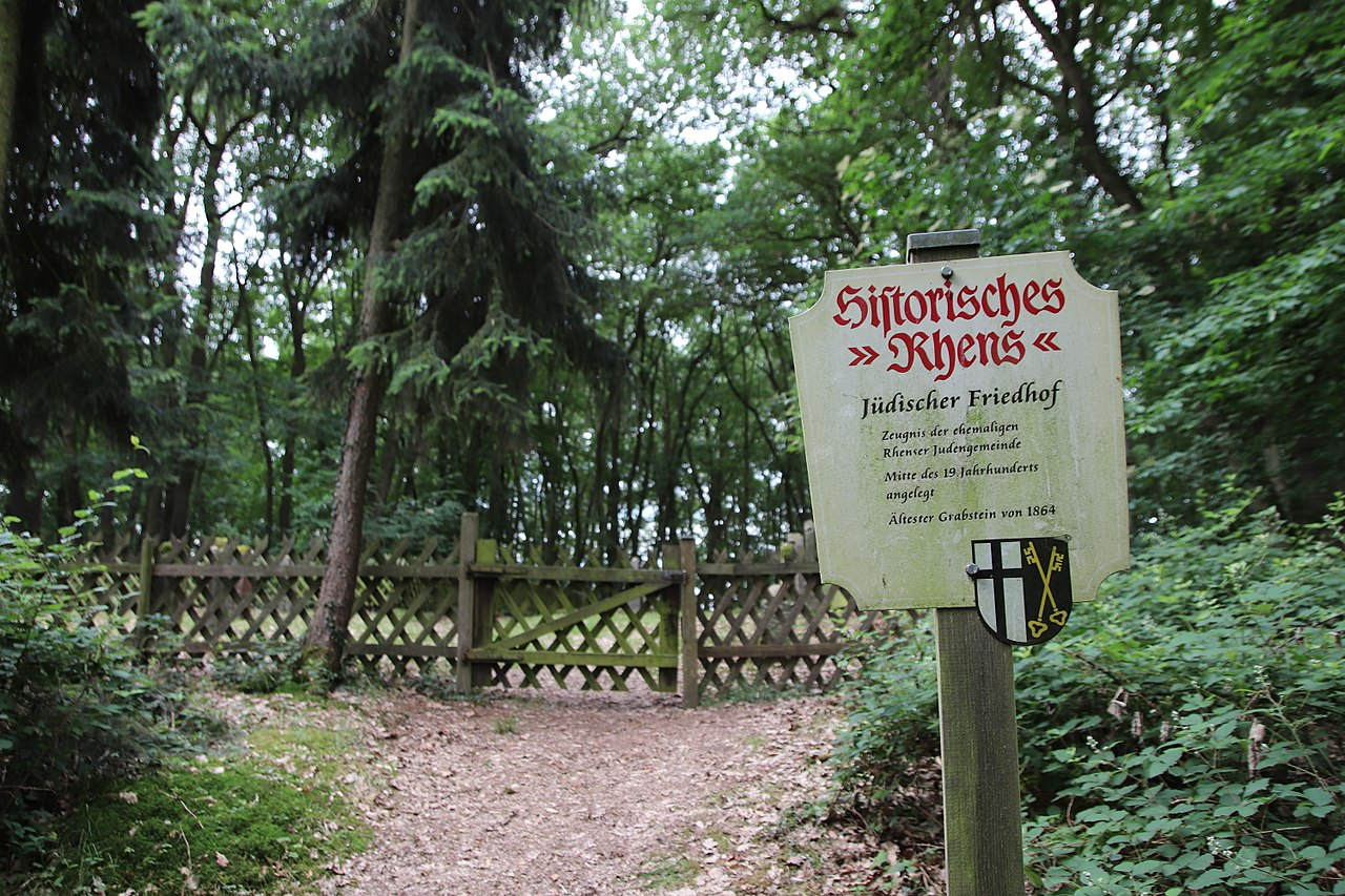 Jüdischer Friedhof in Rhens (2).jpg