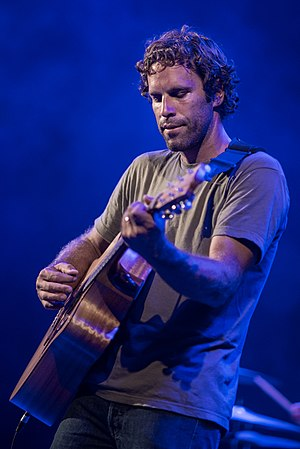 Jack Johnson (musician) - Jack Johnson performing at the Waikiki Shell in Honolulu, Hawaii, August 1, 2014