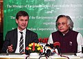 Jairam Ramesh and the Minister of International Development and Environment, Norway, Mr. Erik Solheim, at a joint press conference after signing a Letter of Intent on cooperation in the field of biodiversity, in New Delhi.jpg
