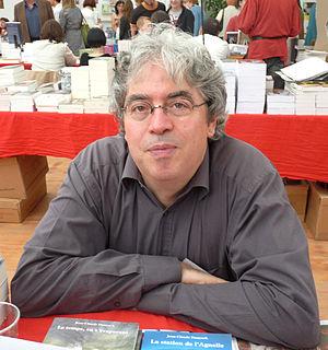 Français : L'écrivain français Jean-Claude Dun...