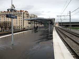 Gare de Lyon-Jean Macé - The platform of the station