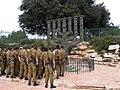 Jerozolima - menora przed Knessetem, dar parlamentu brytyjskiego z 1956 r. - panoramio.jpg