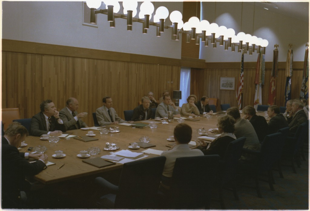jimmy carter cabinet file jimmy chairs a cabinet meeting at camp david 18023