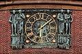 Johanneum (Hamburg-Winterhude).Bauschmuck.Kuöhl.Uhr.1.21907.ajb.jpg