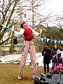 Juggling Crescendo (13656310843).jpg
