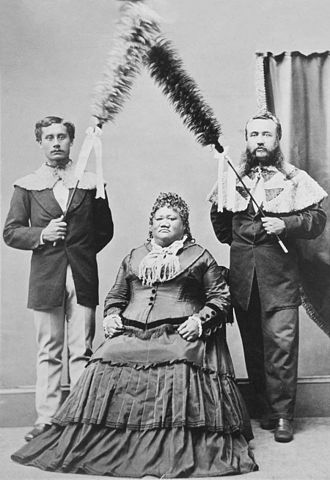 Samuel Parker (Hawaii) - Left, with Princess Ruth Ke{{okina}}elikōlani and John A. Cummins (right) about 1875