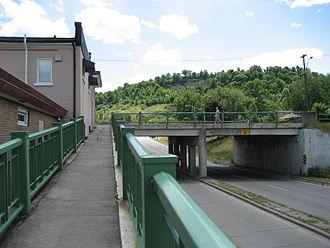 Kenilworth Avenue (Hamilton, Ontario) - Kenilworth Avenue South at King Street East overpass