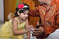 Kid Touching Smartphone - Dum Dum - Kolkata 2012-04-22 1768.JPG