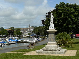 Kingsbridge - View of the town over the estuary