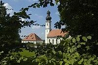 Kirche und Pfarrhaus in Wörth Lk Erding.jpg