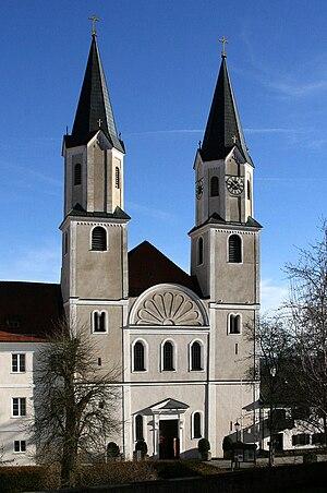 Gars Abbey - Image: Klosterkirche Gars am Inn, Vorderseite