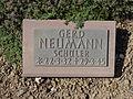 Kriegsopferfriedhof Kloster Arnsburg Grabstein Gerd Neumann, Schüler.JPG