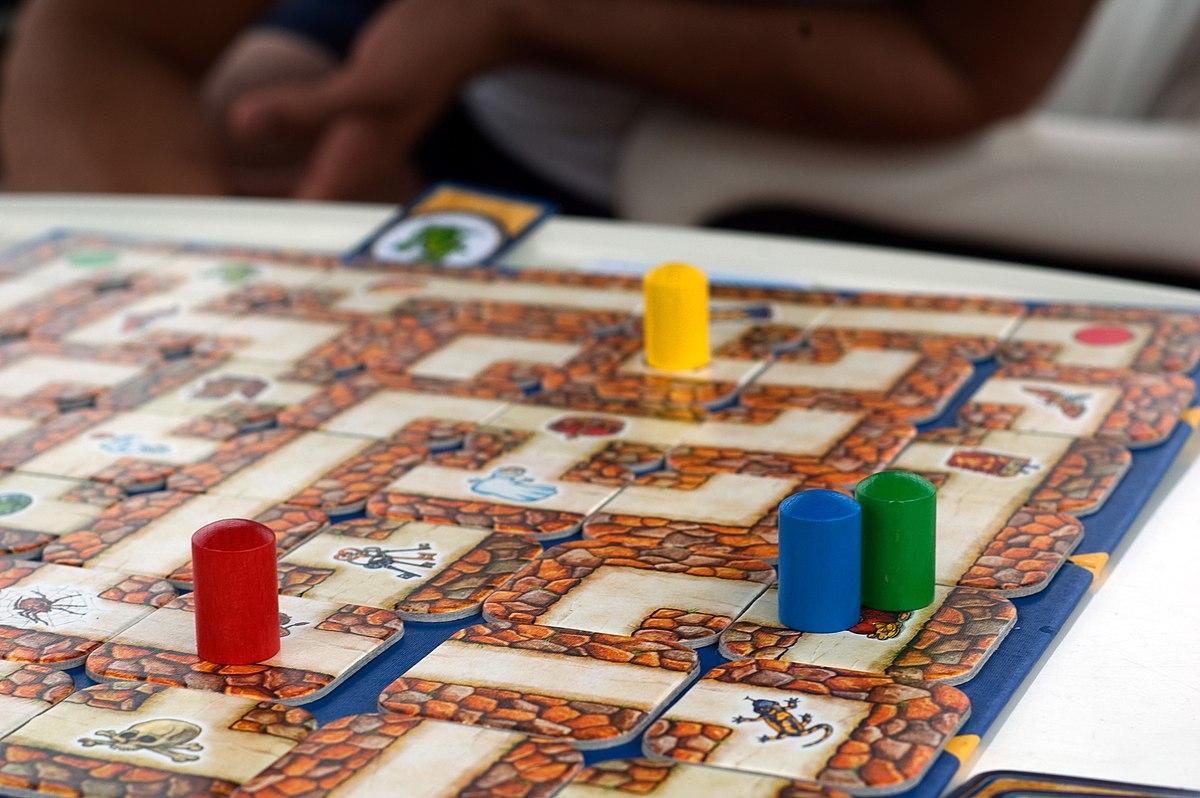 Labirinto magico wikipedia - Partini gioco da tavolo ...
