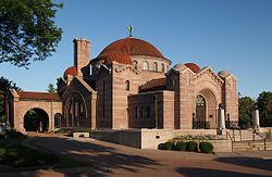 Lakewood Cemetery Memorial Chapel.jpg