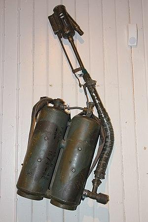 Lanciafiamme Modello 35 - Image: Lanciaflamme Spalleggiabile Model 35