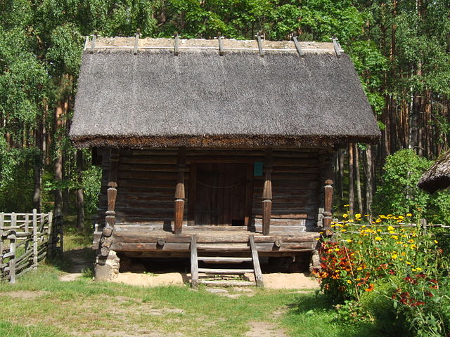 File:Latvian Ethnographic Open-Air Museum - living house ...