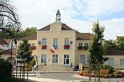 Le Mesnil-le-Roi - Mairie.jpg