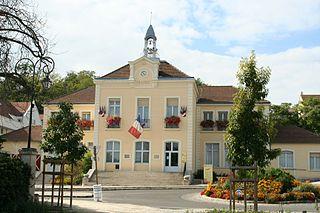 Le Mesnil-le-Roi Commune in Île-de-France, France