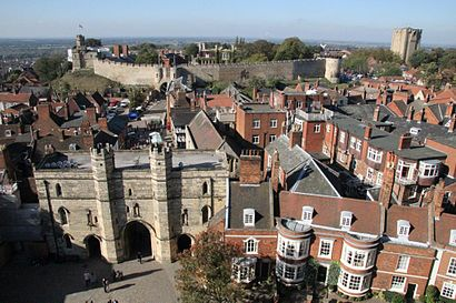 How to get to Lincoln Castle with public transport- About the place