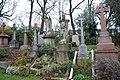London , Highgate Cemetery - panoramio.jpg