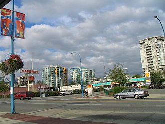 North Vancouver (city) - Lonsdale Avenue at 13th Street is a major intersection of Central Lonsdale