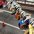 Love locks. (10364555914).jpg
