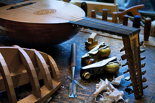 Lute maker tools - 1293