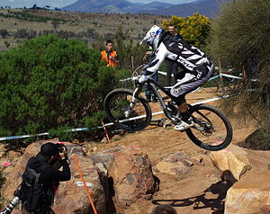 Cross-country mountain biking: Competitors in ...