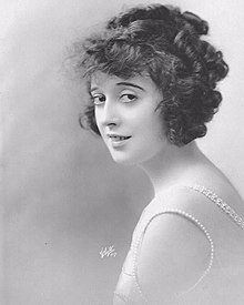 Mabel Normand by Albert Witzel 1917.jpg
