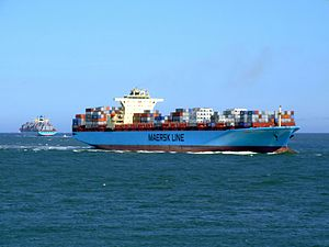 Maersk Sofia p04 approaching Port of Rotterdam, Holland 04-Aug-2007.jpg