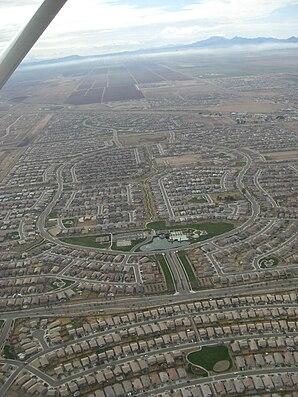 Aus der Luft gesehen wird Maricopas Ansicht durch Wohnviertel dominiert.