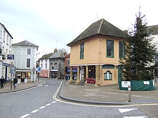 Faringdon market place, with the Old Town Hall
