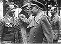 Marszałek Albert Kesselring podczas rozmowy z generałem Heinrichem Gottfriedem von Vietinghoffem na froncie włoskim (2-2081).jpg