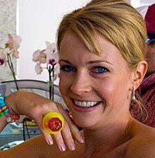 Kuka dating Melissa Joan Hartdating Mt ISA