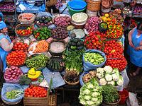 Variedad de verduras en un mercado de Sucre